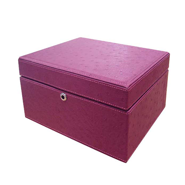 U932/1 | Jewelry box Ostrich II