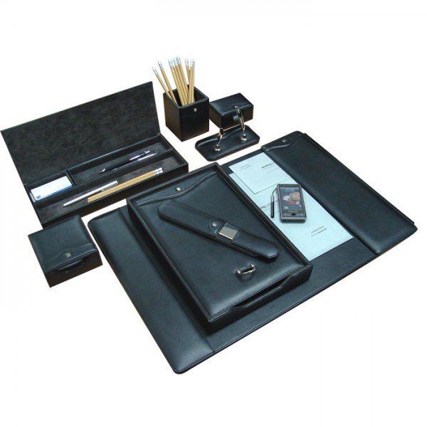 DS101 | Deskset Classic Leather
